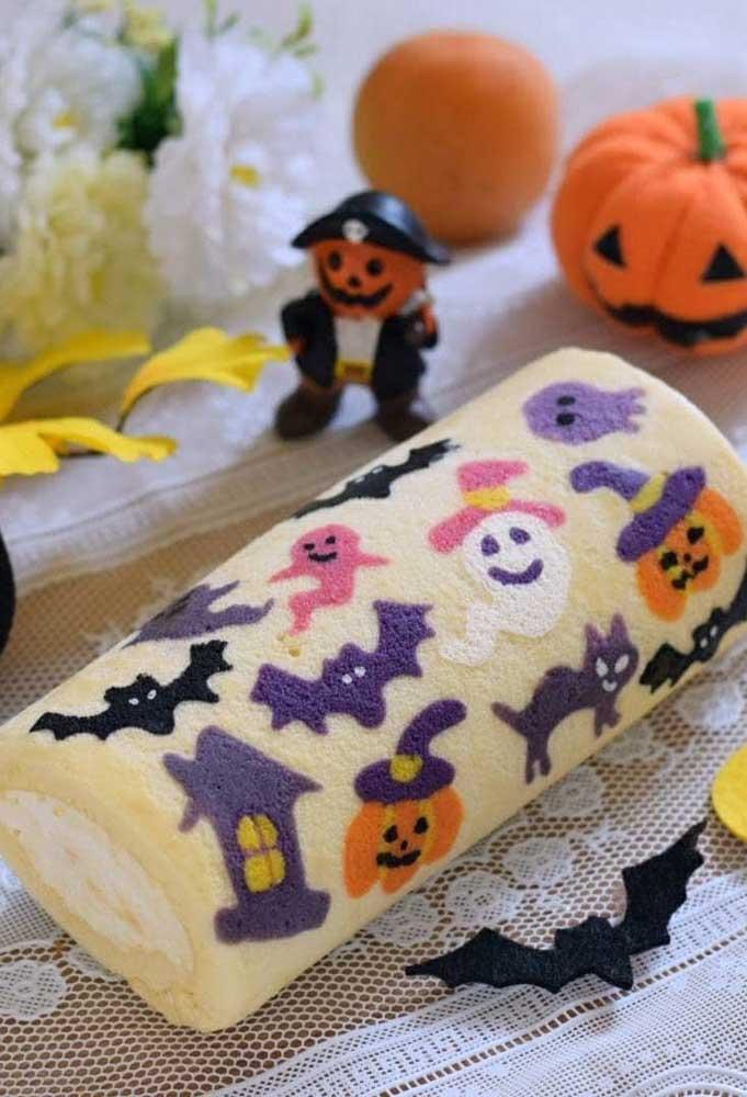 Você já viu o bolo de rolo com o tema halloween divertido como esse?