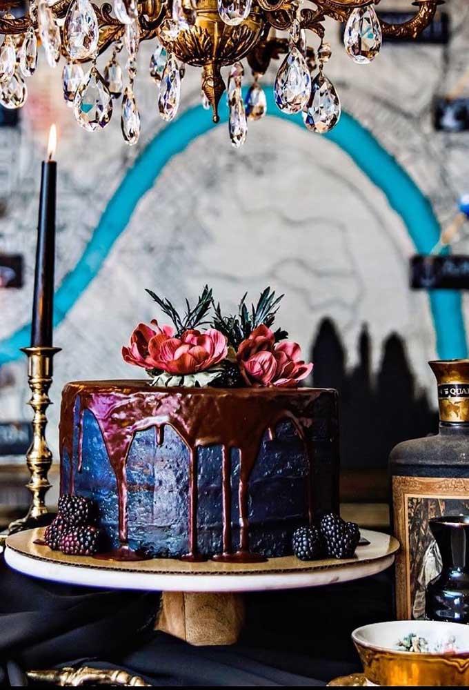 Dá para fazer um bolo mais fino, elegante e sofisticado para a festa halloween