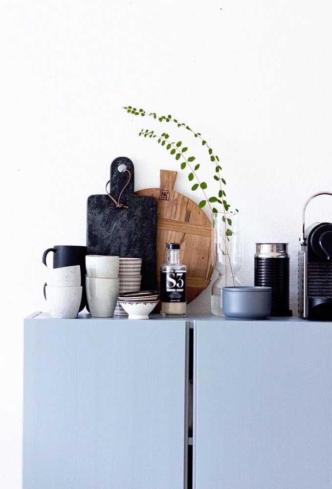 Não se preocupe com o pouco espaço que você tem para fazer o cantinho do café.