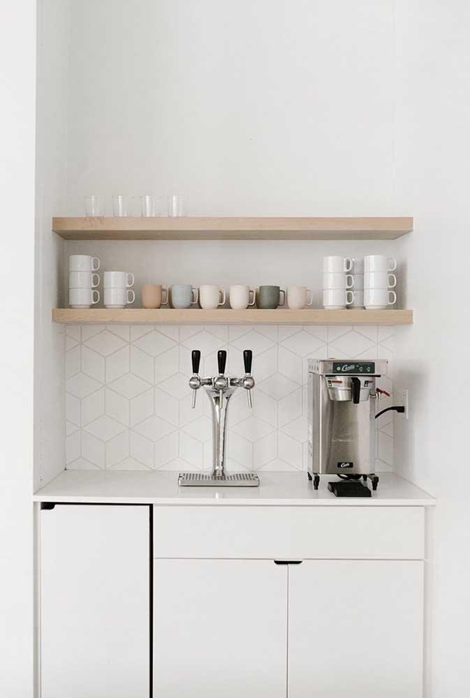 Você pode decorar o cantinho do café de acordo com o seu estilo.