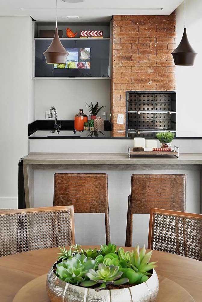 Quem disse que não dá para fazer uma churrasqueira de tijolo pequena no apartamento?