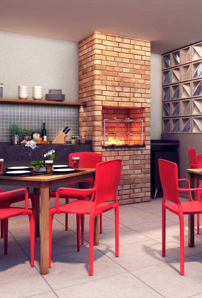 O que acha de apostar em uma churrasqueira de tijolo mais tradicional?