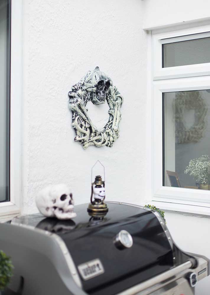 Elementos macabros não podem faltar na sua festa tema Halloween.