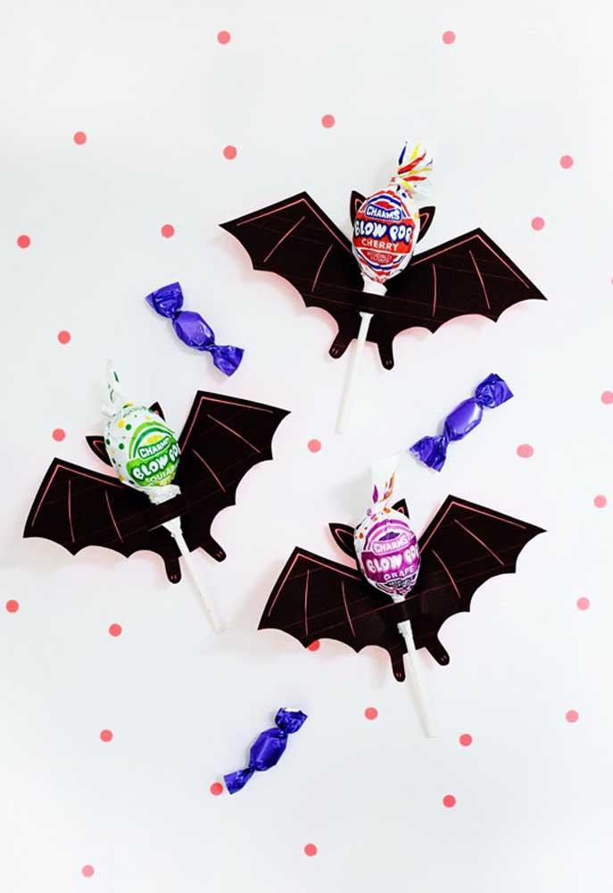 Use a criatividade para fazer uma festa infantil no estilo Halloween.