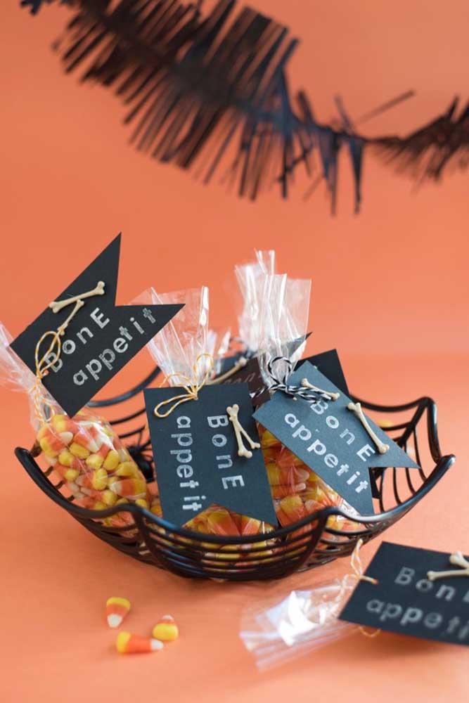 A delicadeza também está presente nos itens da festa Halloween.