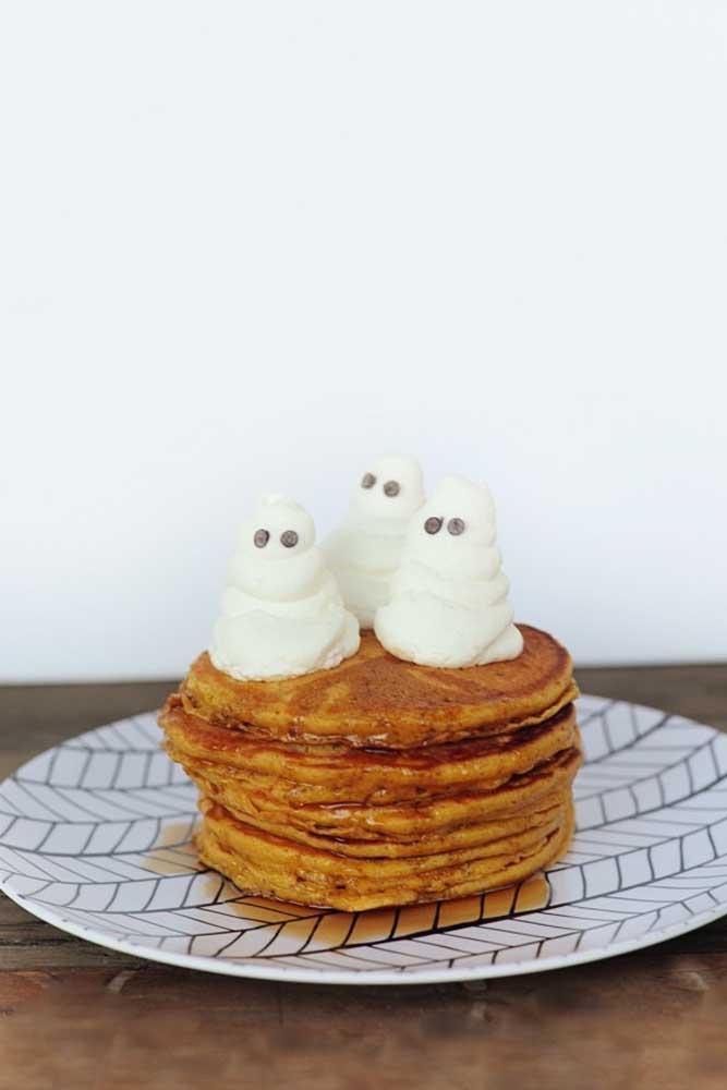 Tem comida mais tradicional americana do que panquecas no dia de Halloween?