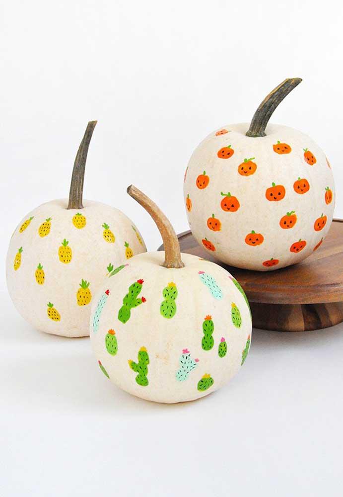 Faça você mesmo alguns itens decorativos da sua festa Halloween e surpreenda seus convidados.