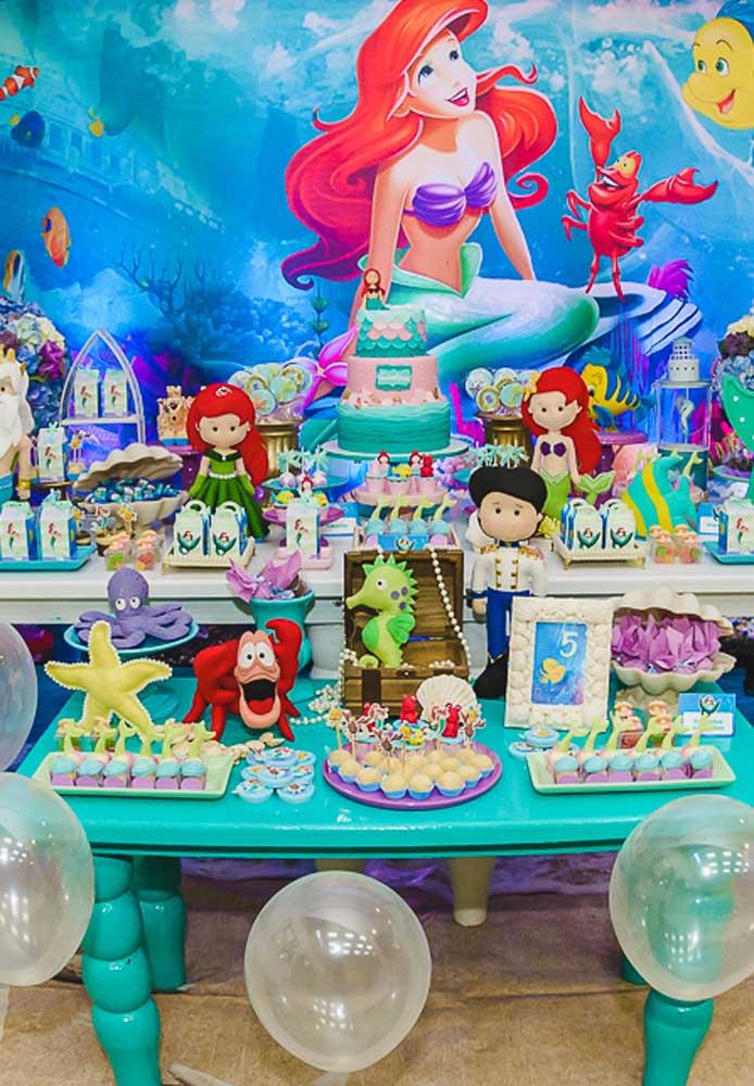 Veja que festa pequena sereia mais linda e luxuosa.