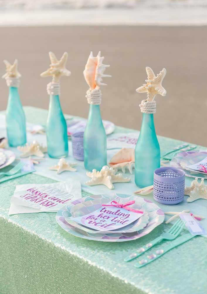 Existem diversos modelos de centro de mesa sereia que você pode usar na decoração.