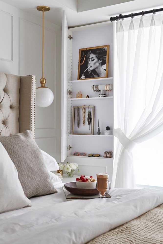 Que tal decorar o quarto pequeno feminino com alguns objetos que são a sua cara.