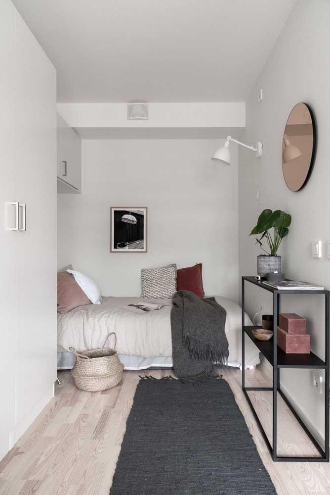 Aproveite todos os espaços do quarto pequeno para decorar da melhor forma.