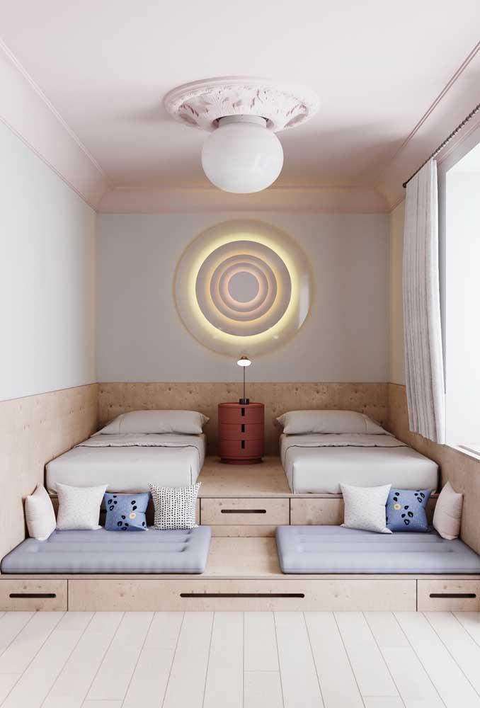 Veja como você pode decorar o quarto pequeno para casal de filhos.