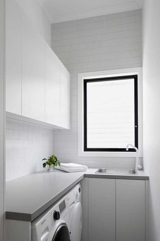 Mas uma janela pequena já ajuda bastante na iluminação do ambiente.