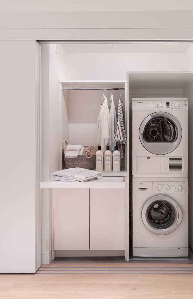 Prefira escolher tábuas de roupas embutidas para otimizar o espaço.