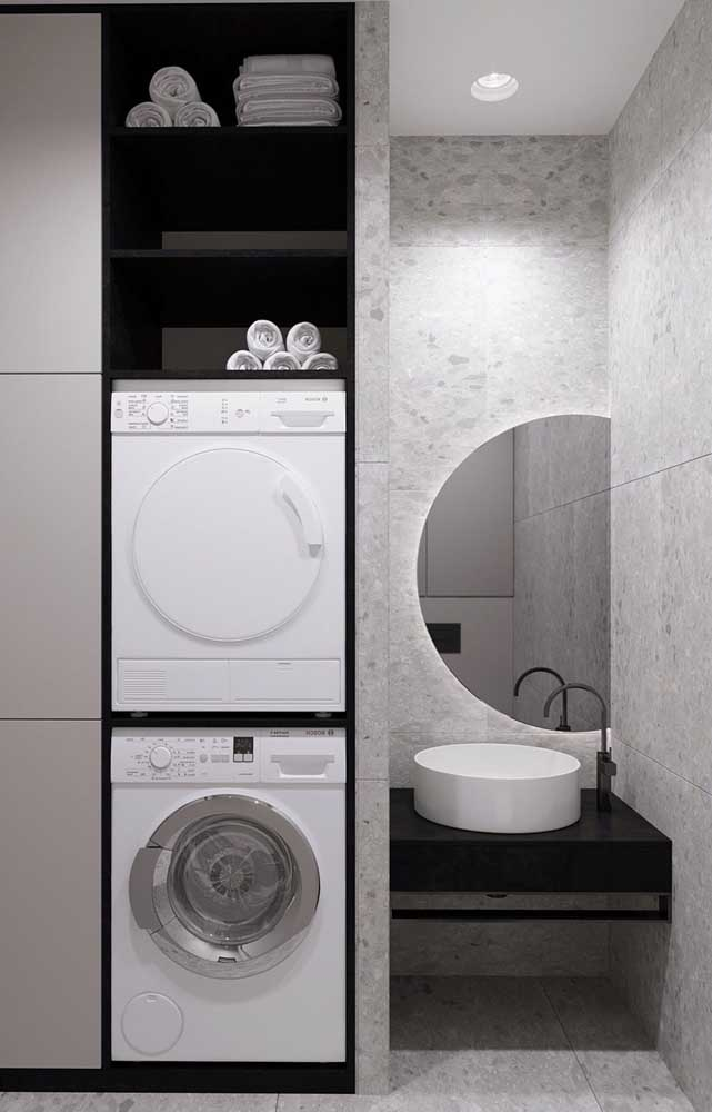 Você sabia que é possível montar a área de serviço pequena no banheiro?