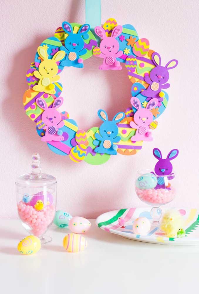 Itens decorativos feitos em EVA para decorar o quarto do bebê.