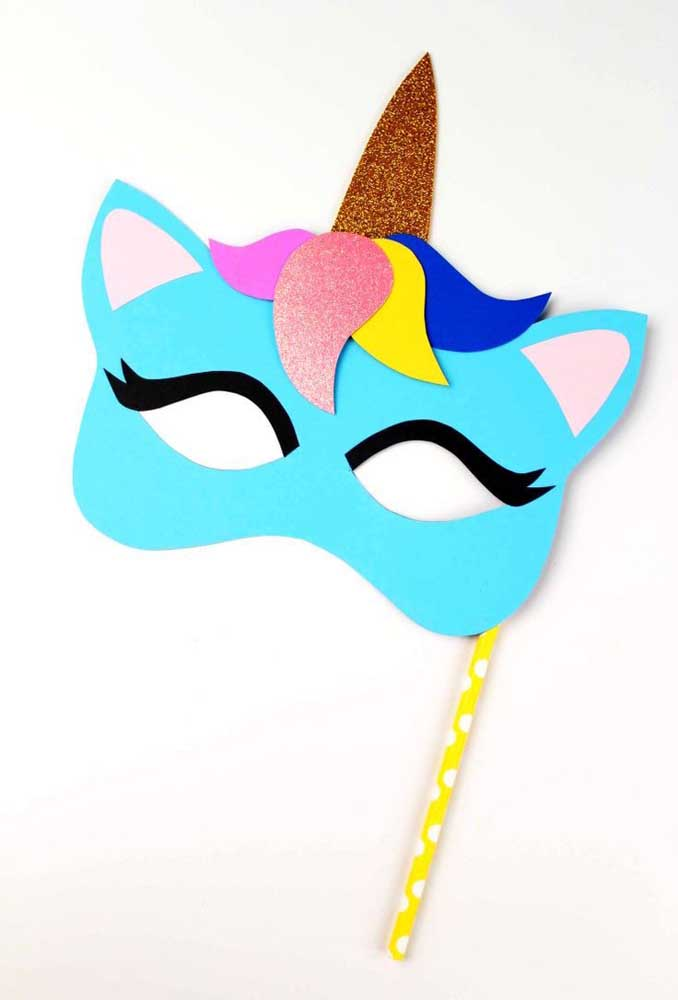 Faça máscaras lindas e criativas com EVA.