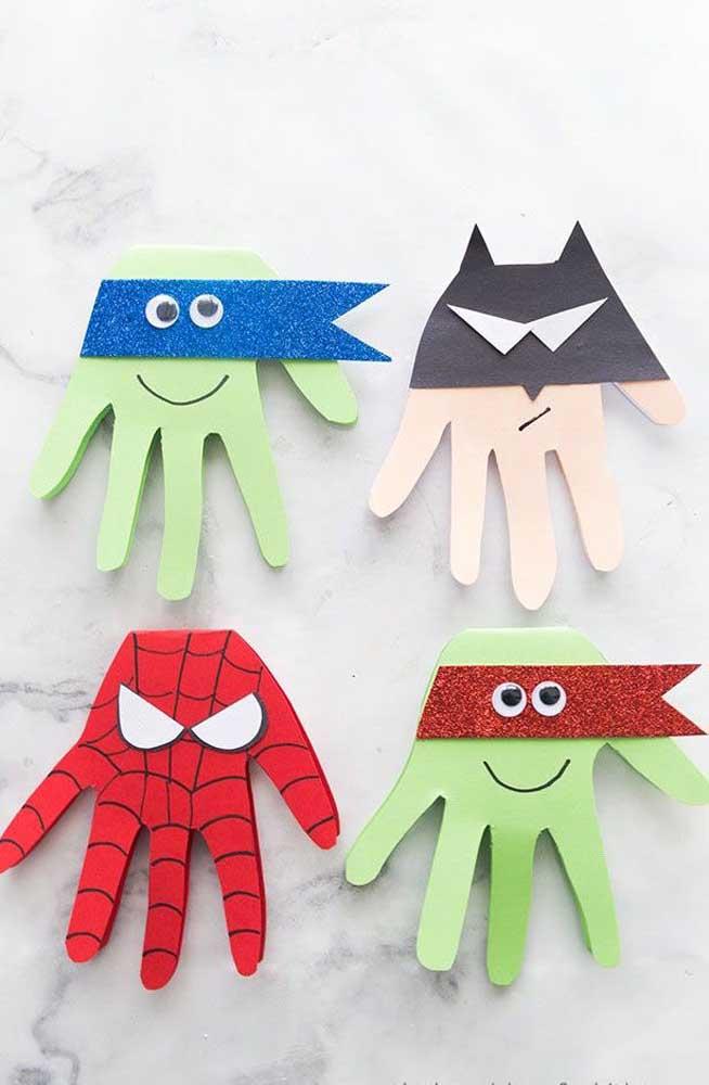 Uma boa opção é se inspirar nos super-heróis na hora de fazer itens decorativos para o quarto das crianças ou lembrancinhas de aniversário.