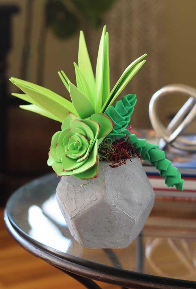 Flores e plantas são sempre bem-vindas em qualquer decoração.