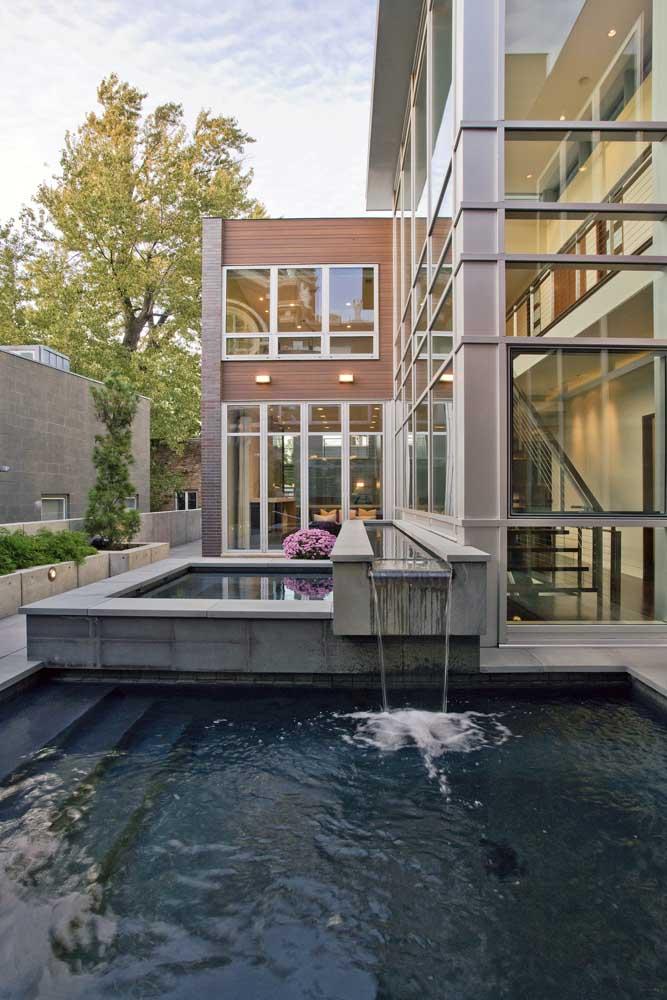 A cascata para piscina de alvenaria é para quem deseja ter uma projeto único e exclusivo.