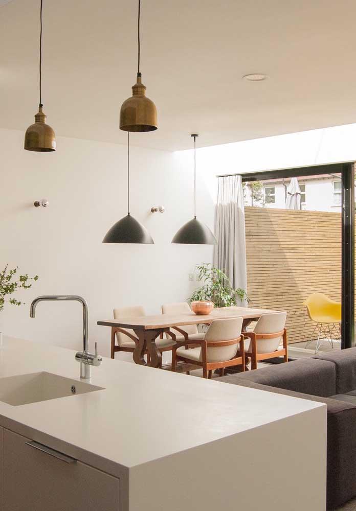 Que tal ter a cozinha, a sala de estar e jantar em um mesmo espaço?