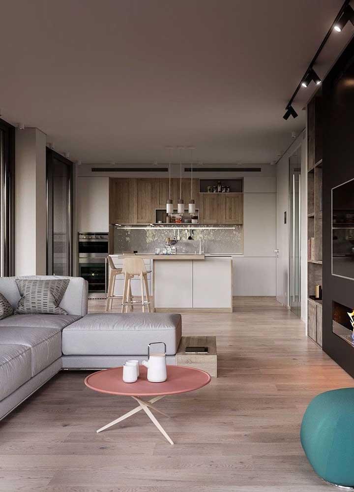 Você pode usar o mesmo piso para os dois cômodos.