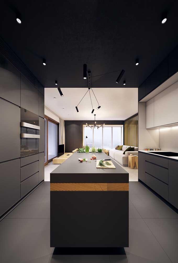 Invista em uma cozinha americana com sala para deixar a decoração mais moderna.