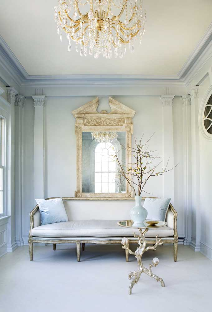 A mistura do estilo rústico com elementos sofisticados para uma decoração provençal.