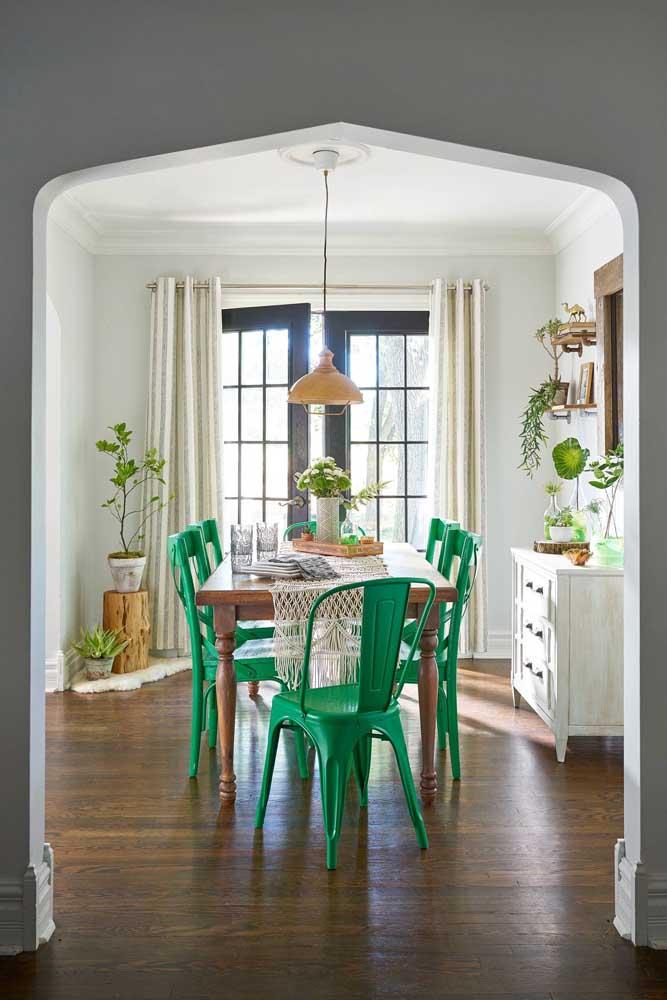 A decoração estilo provençal moderno pede cores mais fortes.