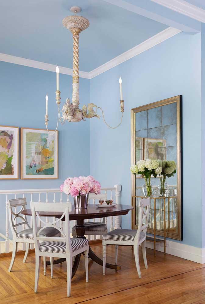 O que acha de decorar sua sala com um lustre diferente como esse?