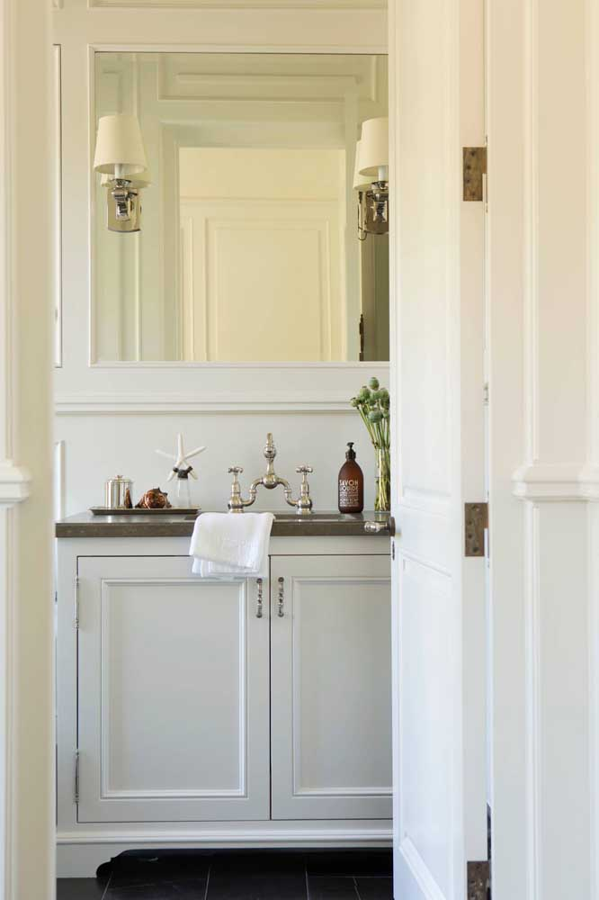 A torneira do banheiro pode ser o item que faltava para destacar o estilo provençal.