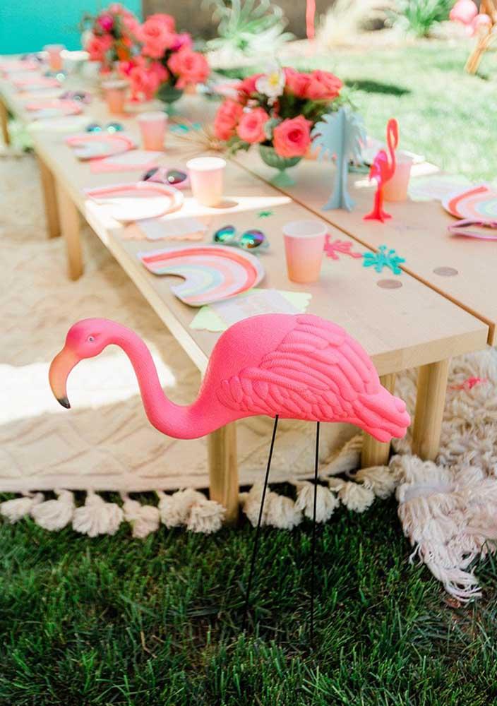 Até colocar um flamingo decorativo.