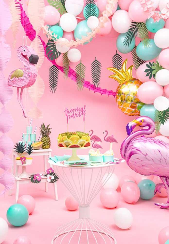 Olha a perfeição e luxo desta decoração flamingo.