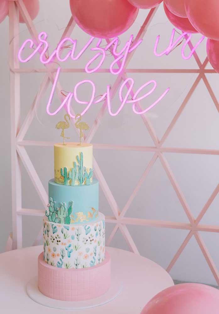 Com o bolo fake você tem a possibilidade de criar algo surpreendente.