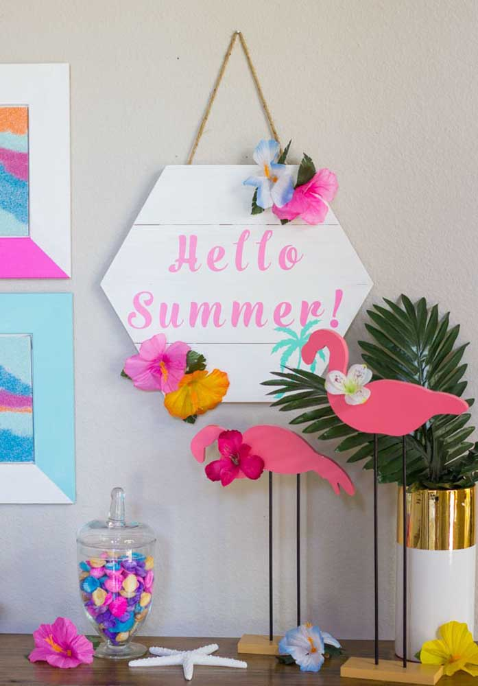 Dê boas-vindas ao verão na festa flamingo.