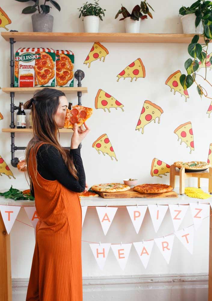 A noite da pizza é o momento perfeito para se deliciar e se divertir com os amigos.