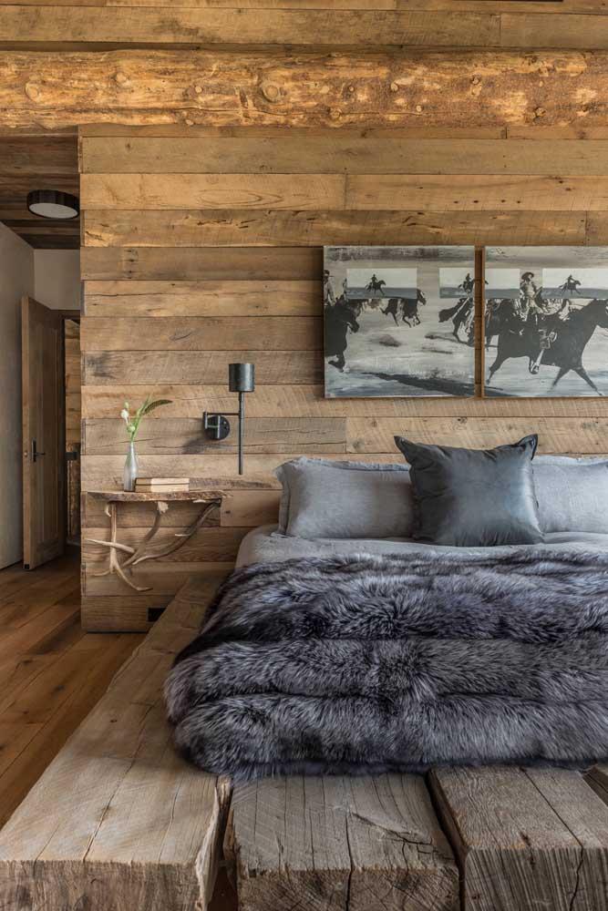 Se a intenção é deixar o quarto com uma decoração mais rústica, você pode apostar na cama de pallet.
