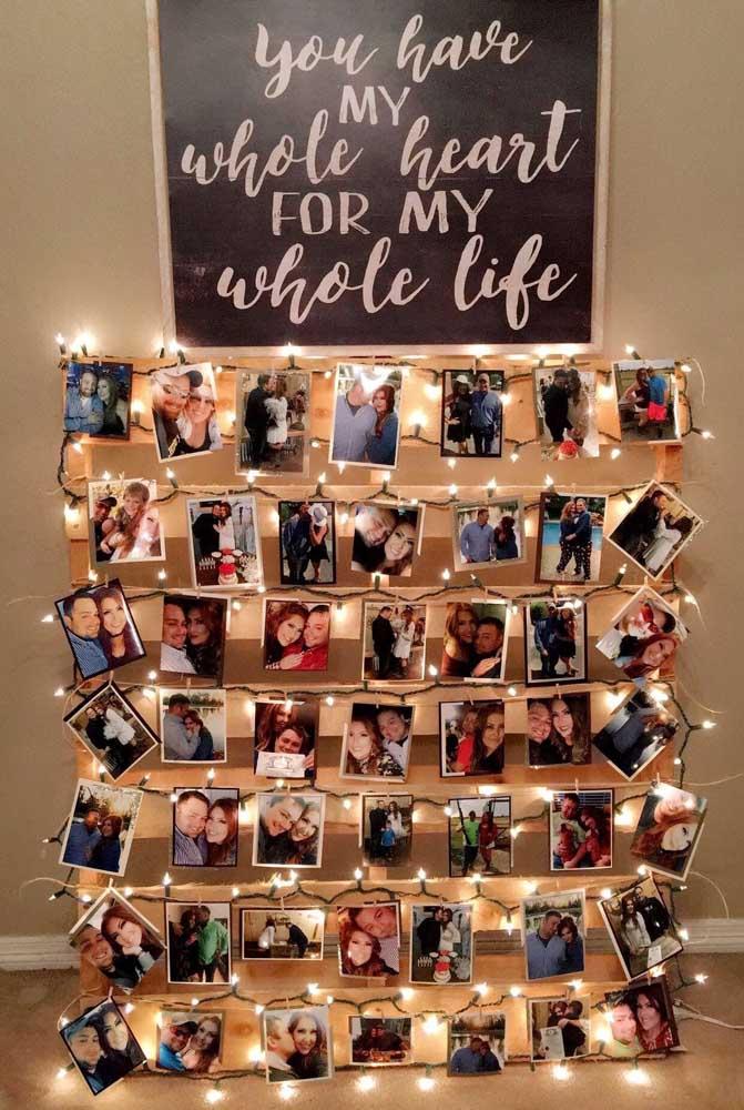 Que mural de fotos iluminado mais lindo para decorar o seu quarto.