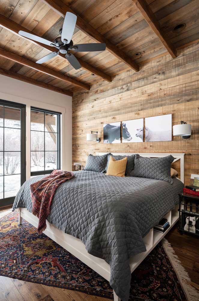 Quer dormir num quartinho confortável como esse?