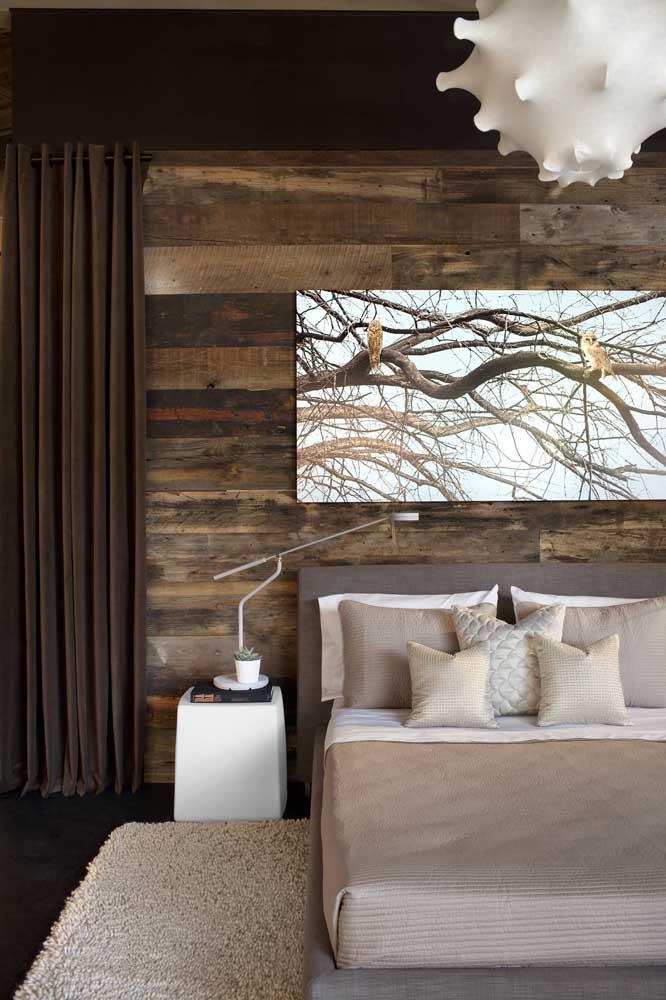 Assim como a parede desse quarto.