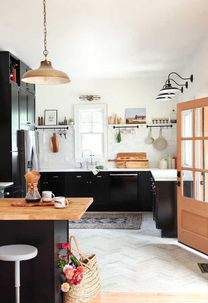 O quadro pode ser apenas um item decorativo na cozinha.