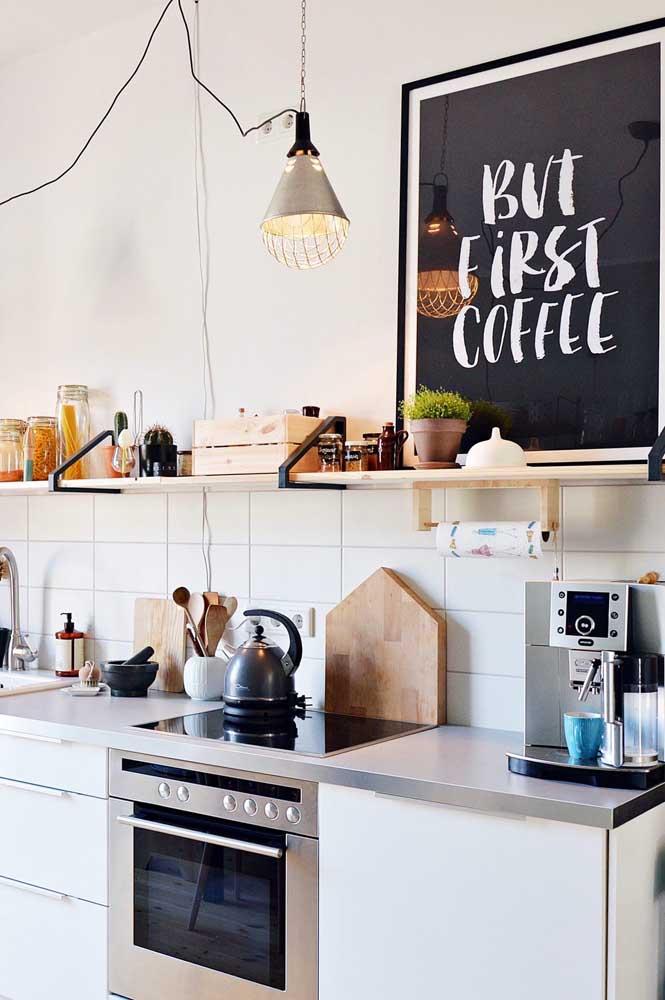 O café pode ser a inspiração na hora de escolher o quadro para cozinha.