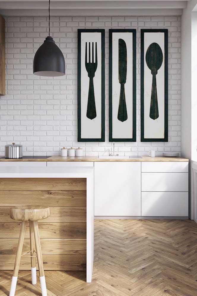 Uau! Que quadros criativos, diferentes, estilosos e harmônicos para colocar na cozinha.