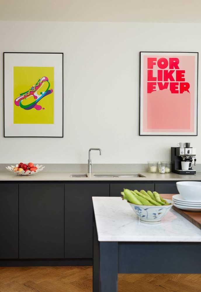 Que tal escolher quadros divertidos para deixar sua cozinha mais vibrante?
