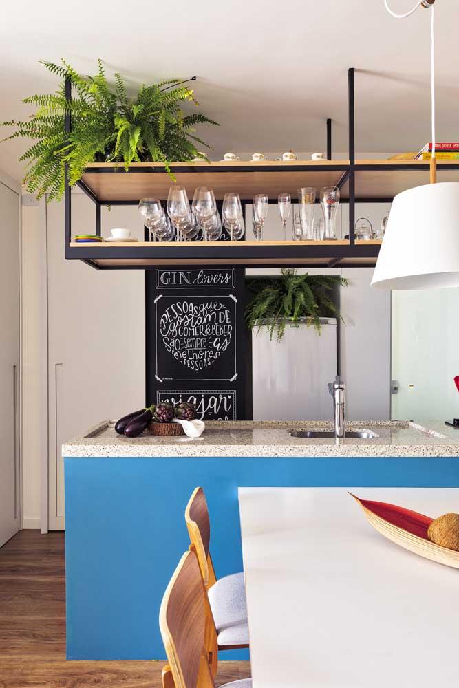 A lousa de giz é uma opção de quadros para cozinha modernos.
