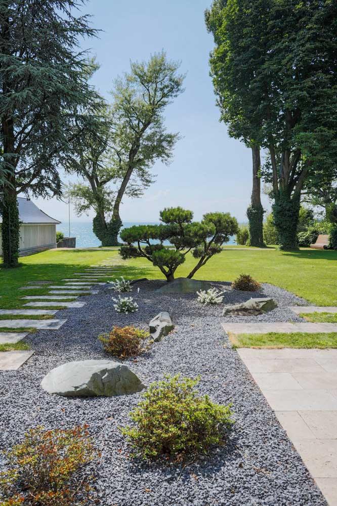 Quando você tem espaço dá para fazer um belo jardim japonês.