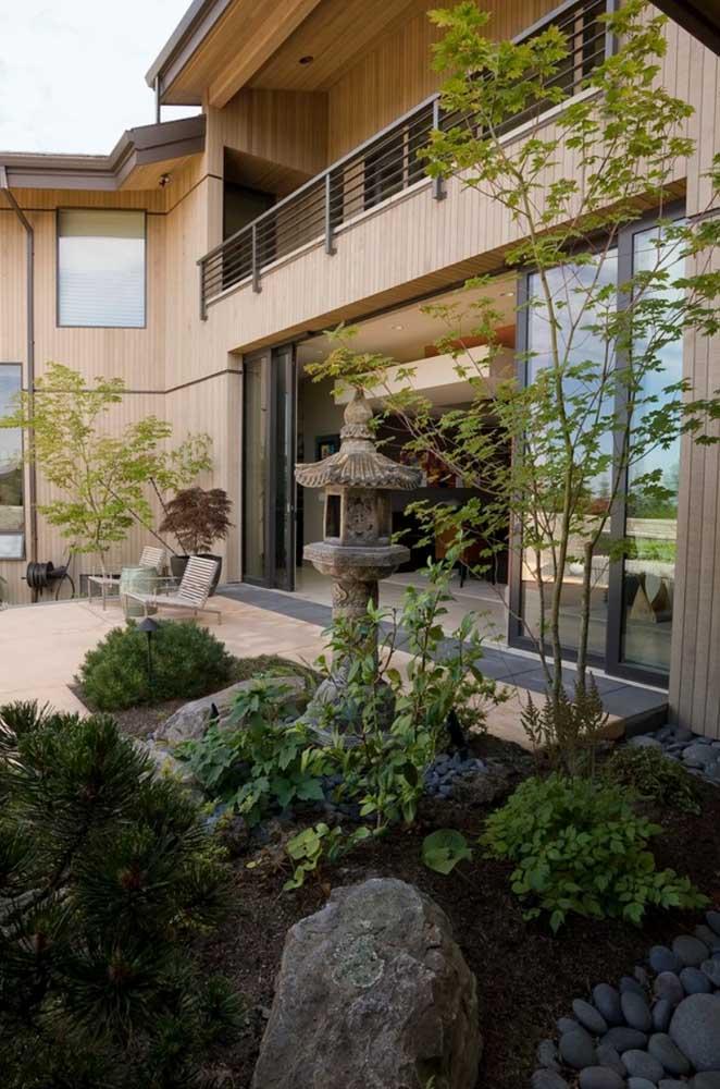 Mas saiba que alguns elementos são característicos do jardim japonês.