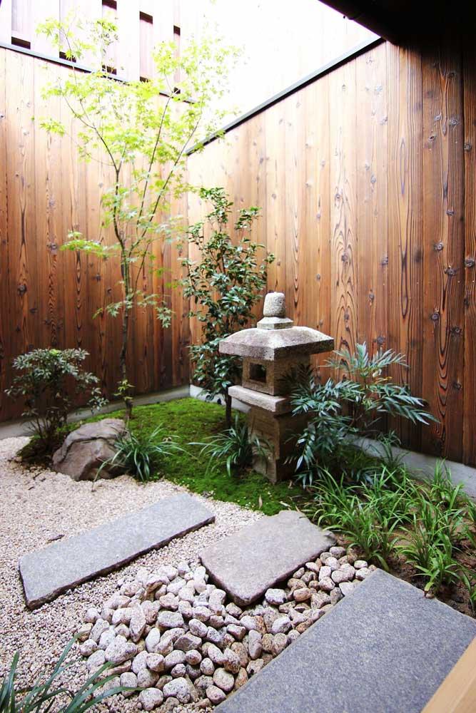 Monte o jardim japonês em uma superfície lisa para ver como fica.
