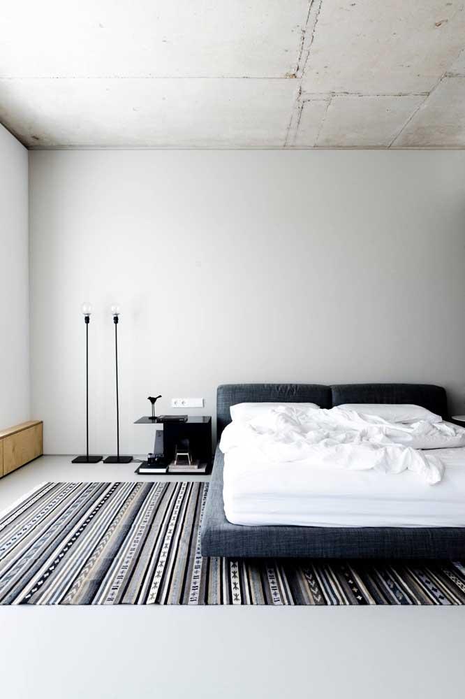 O mais bacana é que você pode colocar a luminária de chão no lugar que você deseja.