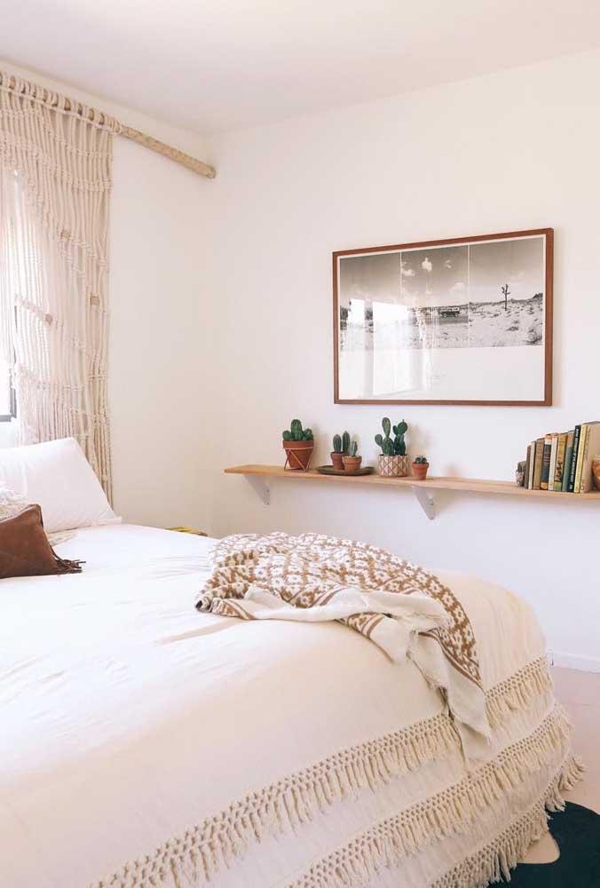 Que tal apostar no estilo campestre para decorar o quarto de casal simples?